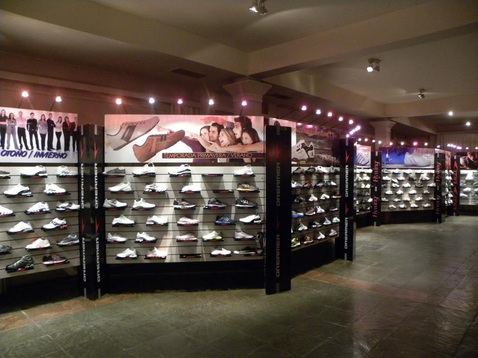 Exposiciones de calzado Sun Sol en el interior del país
